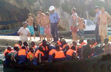 Twenty-seven illegal immigrants land at Xlendi