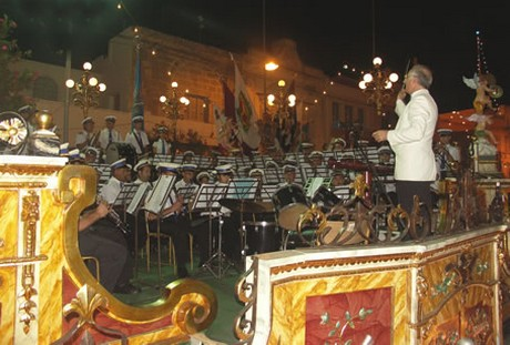 Commemorative ceremony for Xaghra Band