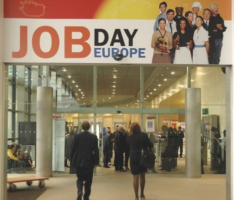 http://gozonews.com/wp-content/uploads/2008/09/job-day-europe.jpg