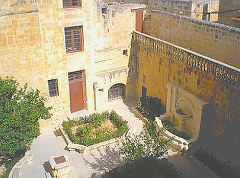 Crowds throng museums during the Birgu Fest