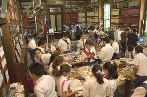 An orientation visit programme for students at the Gozo Public Library