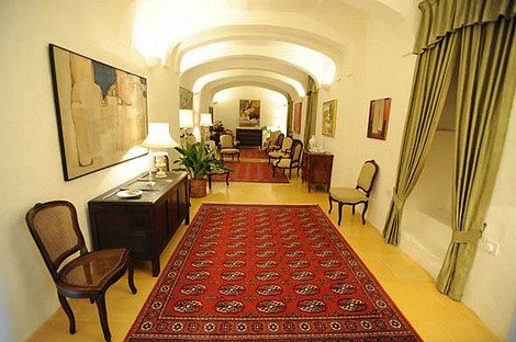 First cultural tour of the Inquisitor's Palace in Girgenti