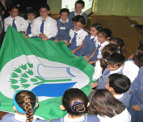 Ekoskola Committee of Xaghra primary receiving the Green Flag