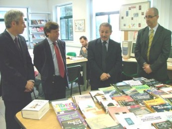 HSBC supports MCAST students with art and design books