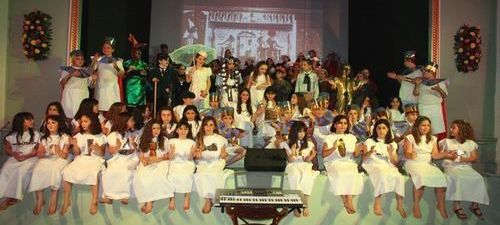 Victoria pupils stage 'The Glint of Gold' musical