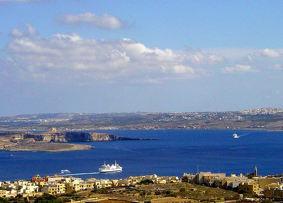 13 people given assistance at Comino, 3 with spinal injuries