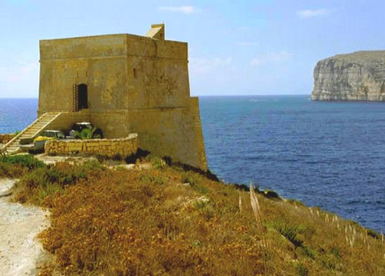 """Arias and Art"" in aid of the restoration of Xlendi Tower"