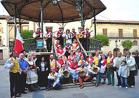 Astra Folk Group take part in International Folk Festival