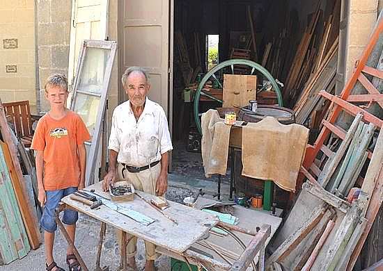 The most friendly carpenter of Santa Lucija