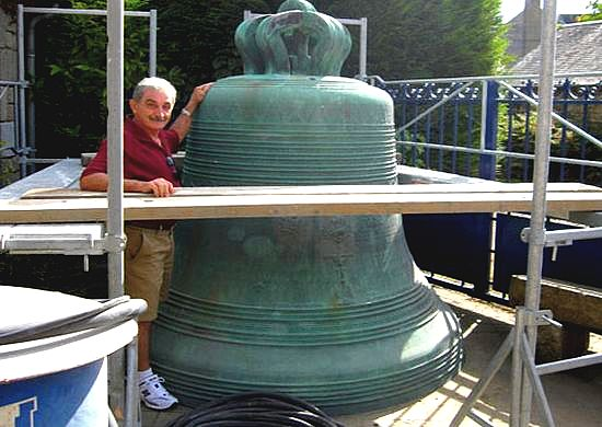 Manufacturing process of Ghajnsielem bells started