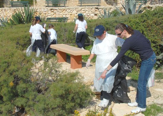 Qala Local Council organises clean-up at Hondoq Bay