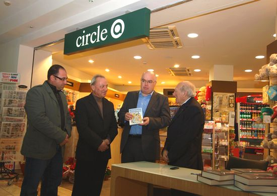 Prof Guido de Marco takes part in Arkadia book signing