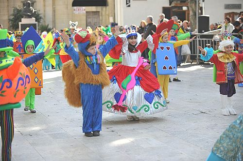 Maltese and tourists travel to Gozo for Carnival weekend