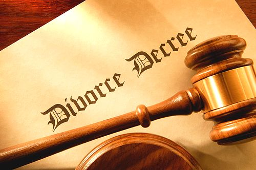 PN and PL ridicule the divorce issue - AD