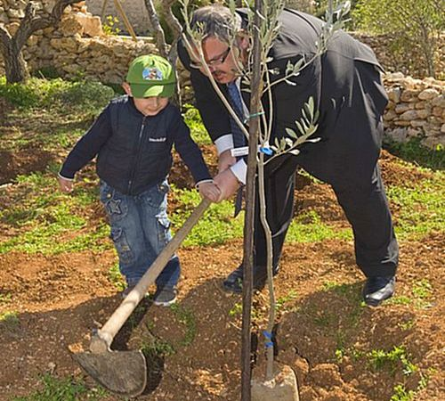 Qala tree planting event takes place in new picnic area