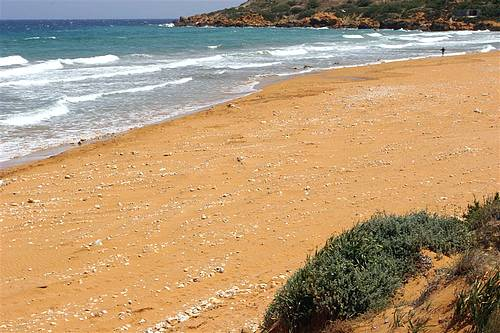 Removal of stones and clean up underway at Ramla Bay