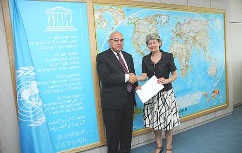 Dr Bondin presents his credentials to the DG  of UNESCO