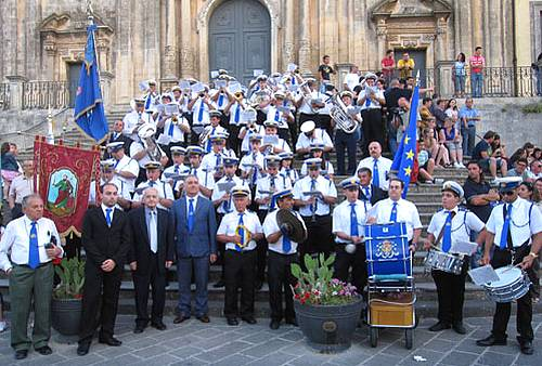 Ghajnsielem's St Joseph Band enjoy memorable trip to Sicily