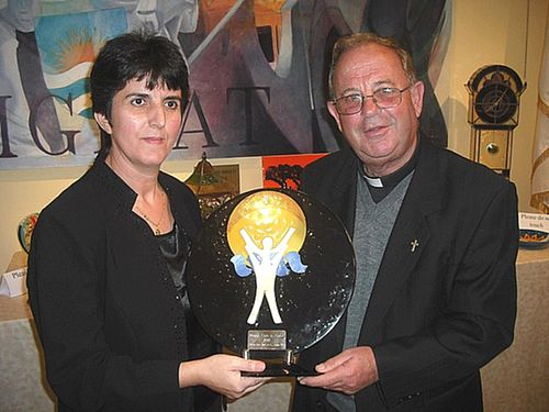 Mgr Salvu Pace receives 13th edition of Gieh in-Nadur Award
