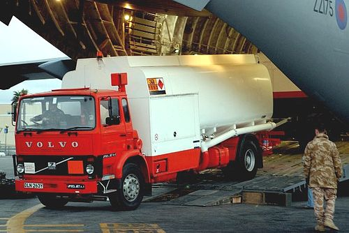 Enemalta purchases a new aircraft re-fuelling vehicle