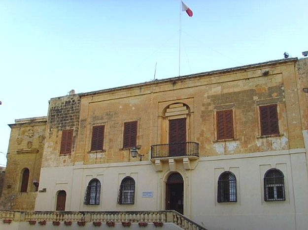 Man stabbed during a hearing at the Gozo court today