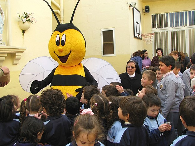 Kikku concludes a tour of all the Gozo primary schools