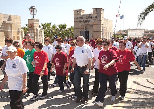 Gozo Hospital Fun Walk draws crowds for Puttinu Cares