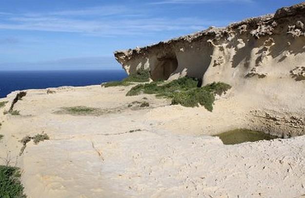 Ras il-Wardija in Gozo - The return of the lost graffito