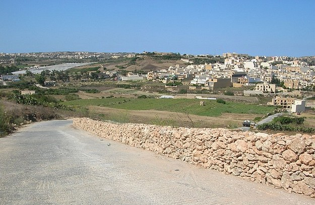 Xaghra Local Council starts work on roads in the local area