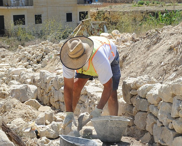 Reconstruction of traditional rubble walls in Marsalforn area
