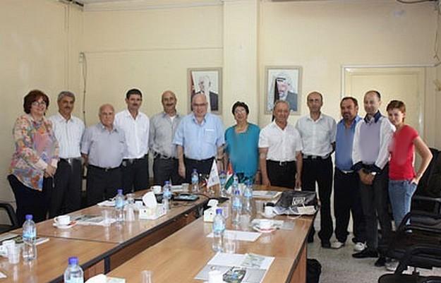 Delegation from Ghajnsielem visits areas around Palestine