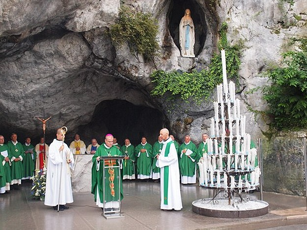 Archbishop Cremona returns from Pilgrimage in Lourdes