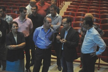 The Prime Minister pays a visit to the Astra Theatre in Gozo