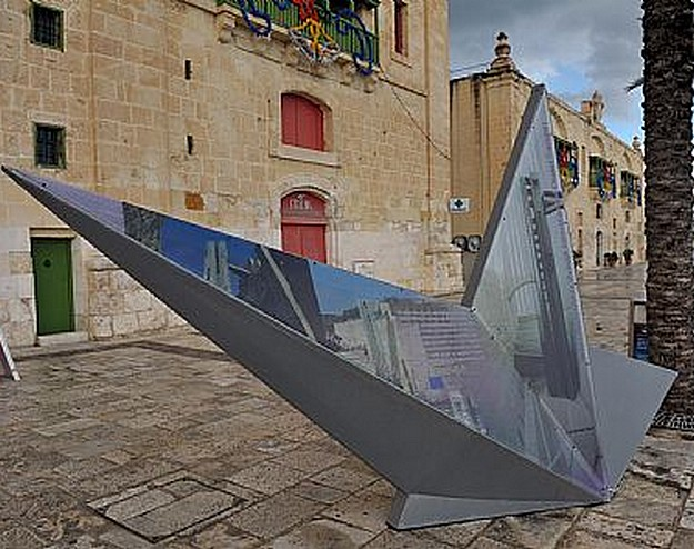 Star-shaped structures to be installed in Gozo and Malta