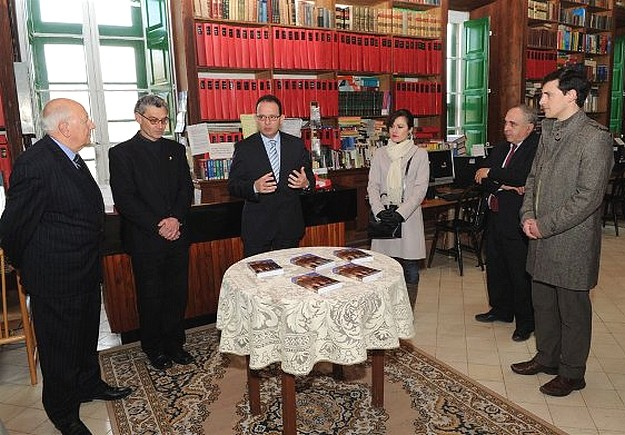 Book on the Gozo Civic Council presented to Gozo Campus