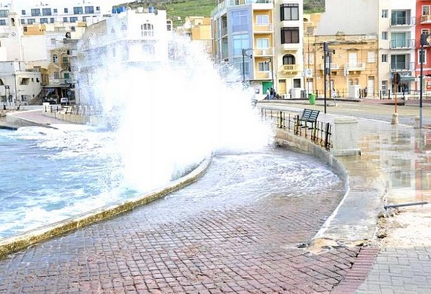 Strong north-easterly winds sweep across Malta & Gozo