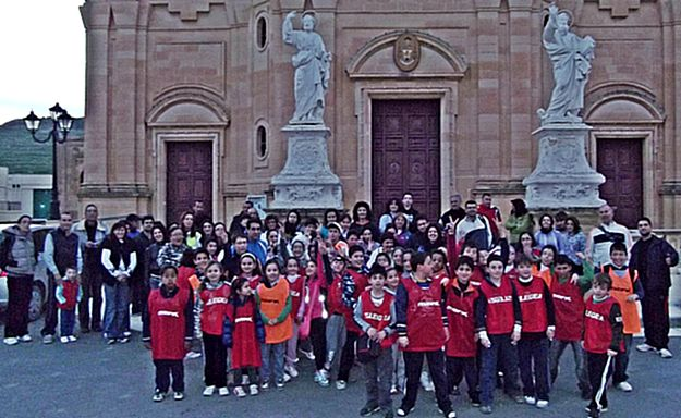 Nadur Night Hike – Uniting school and community together