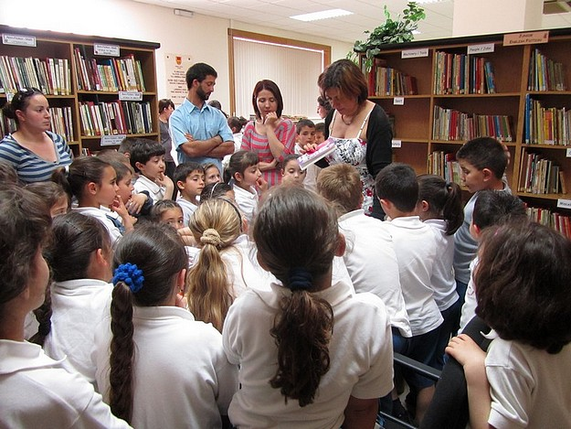 Xaghra Local Council organises a children's 'Library Day'