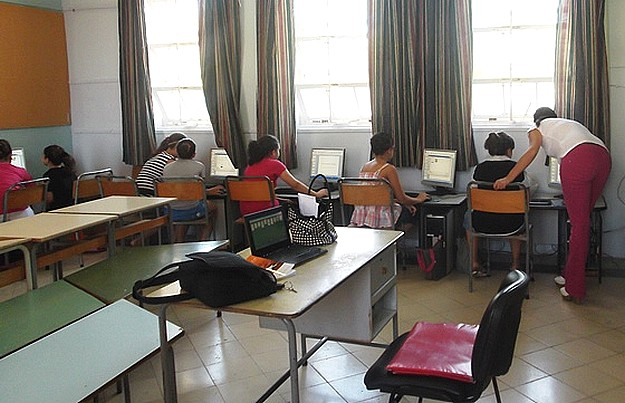 Kercem children participate in course on using computers