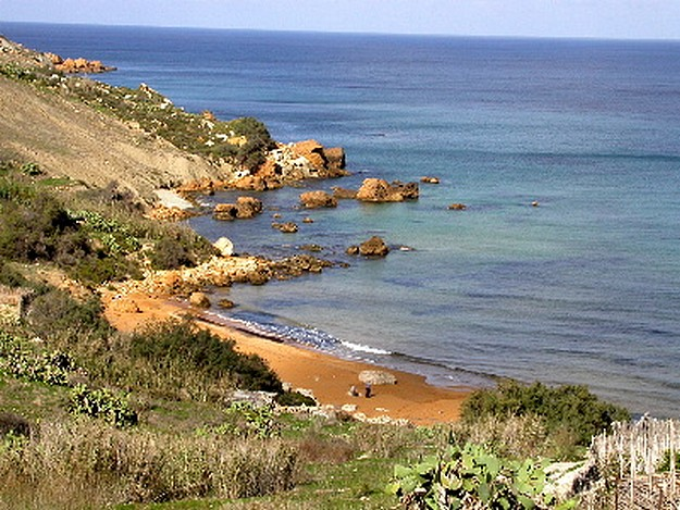 Work at San Blas is to clear beach of algae- Gozo Ministry