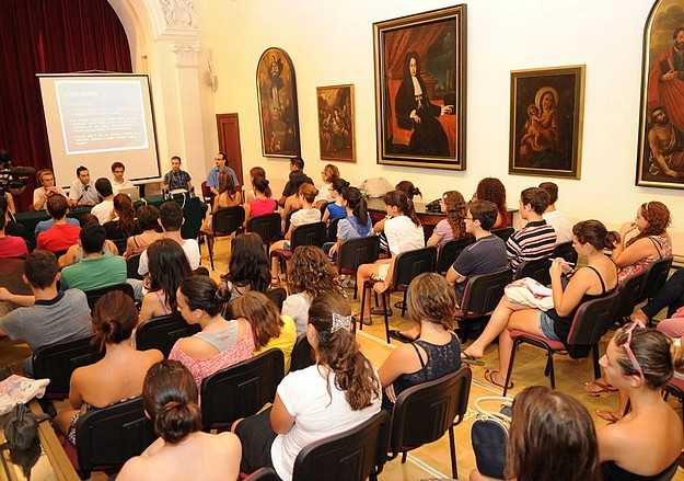 New Gozo University students attend information meeting