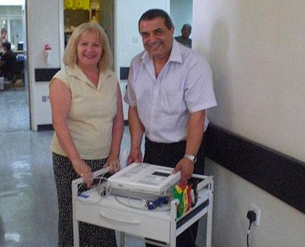 Gozo CCU Foundation donates ECG machine to Gozo A&E