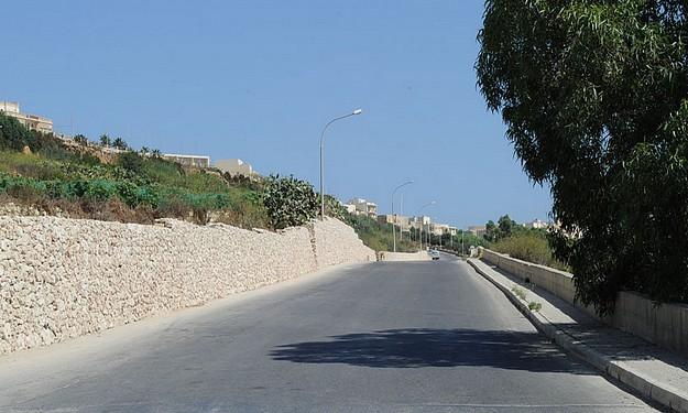 Restoration of rubble walls at Zebbug and Marsalforn