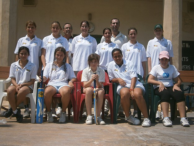 Overseas C.C win the Women's Summer Cricket League title