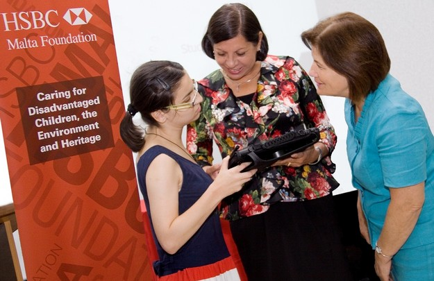 HSBC supports ACTU with latest Assistive Technology