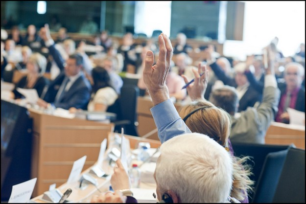 Pay the bills and reverse growth and jobs cuts too -  MEPs
