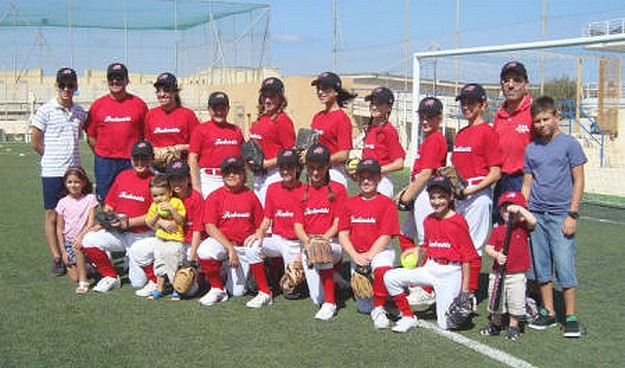 Debut of new girls softball team, the Ghajnsielem Redcoats