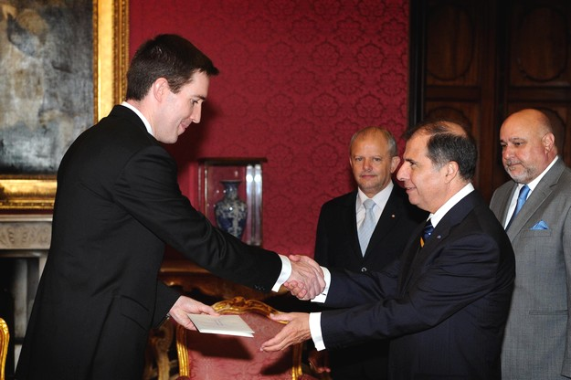 New British High Commissioner presents his credentials
