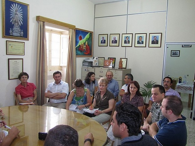 Xaghra Council hosts a delegation from Italy and France