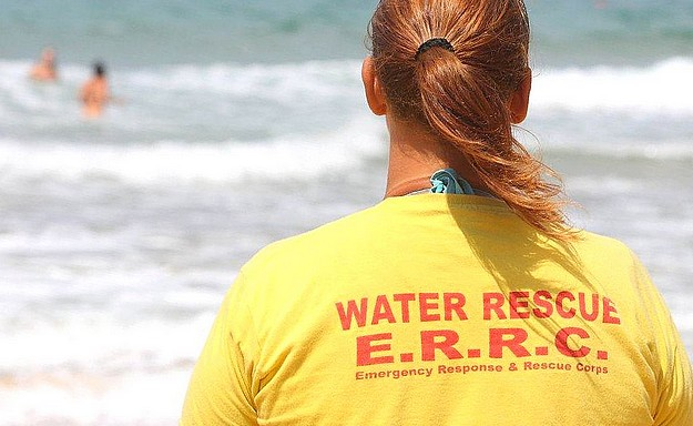 Gozo's E.R.R.C. lifeguards helped 326 cases at Ramla Bay